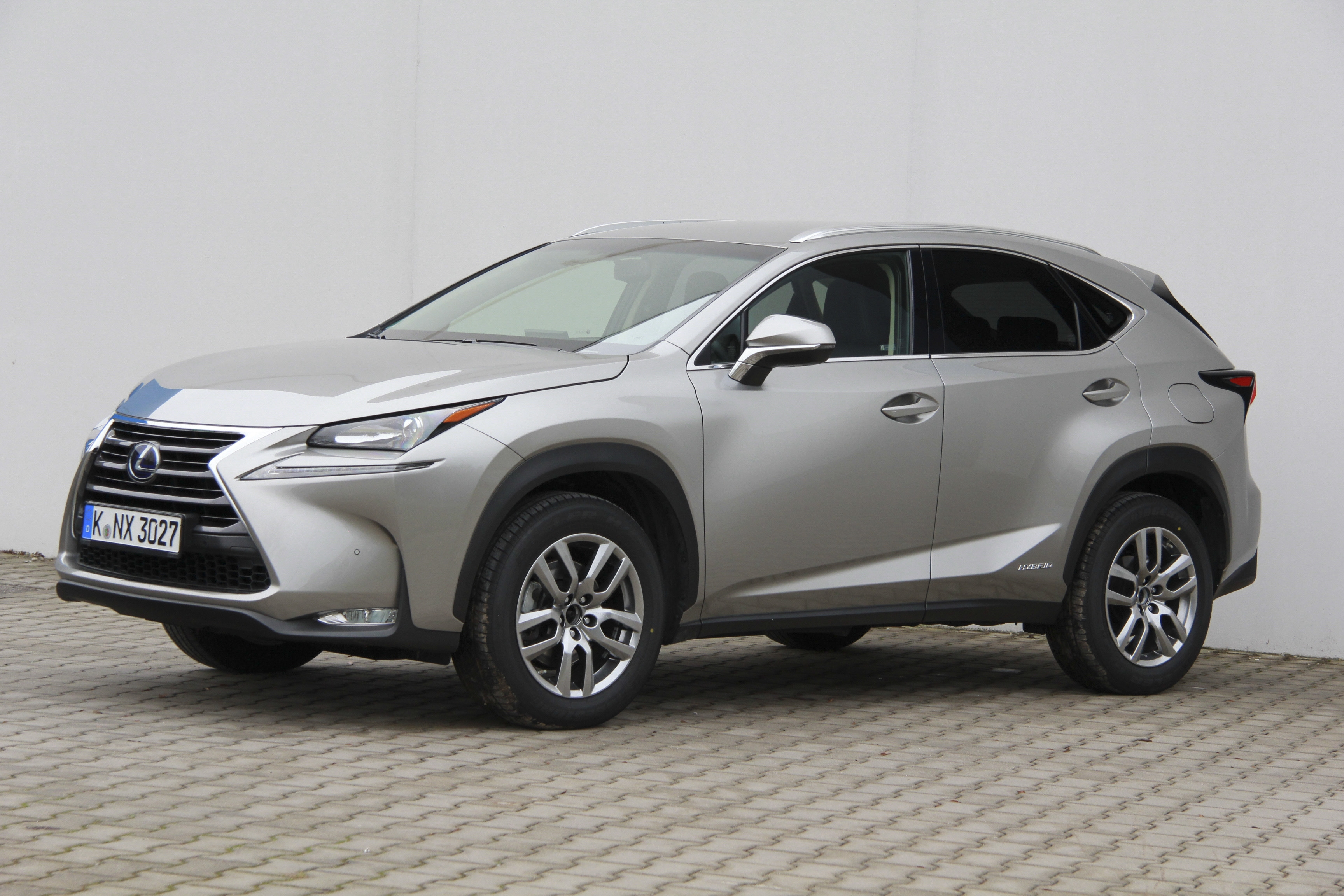 lexus nx 300h test complet prix sp cifications. Black Bedroom Furniture Sets. Home Design Ideas