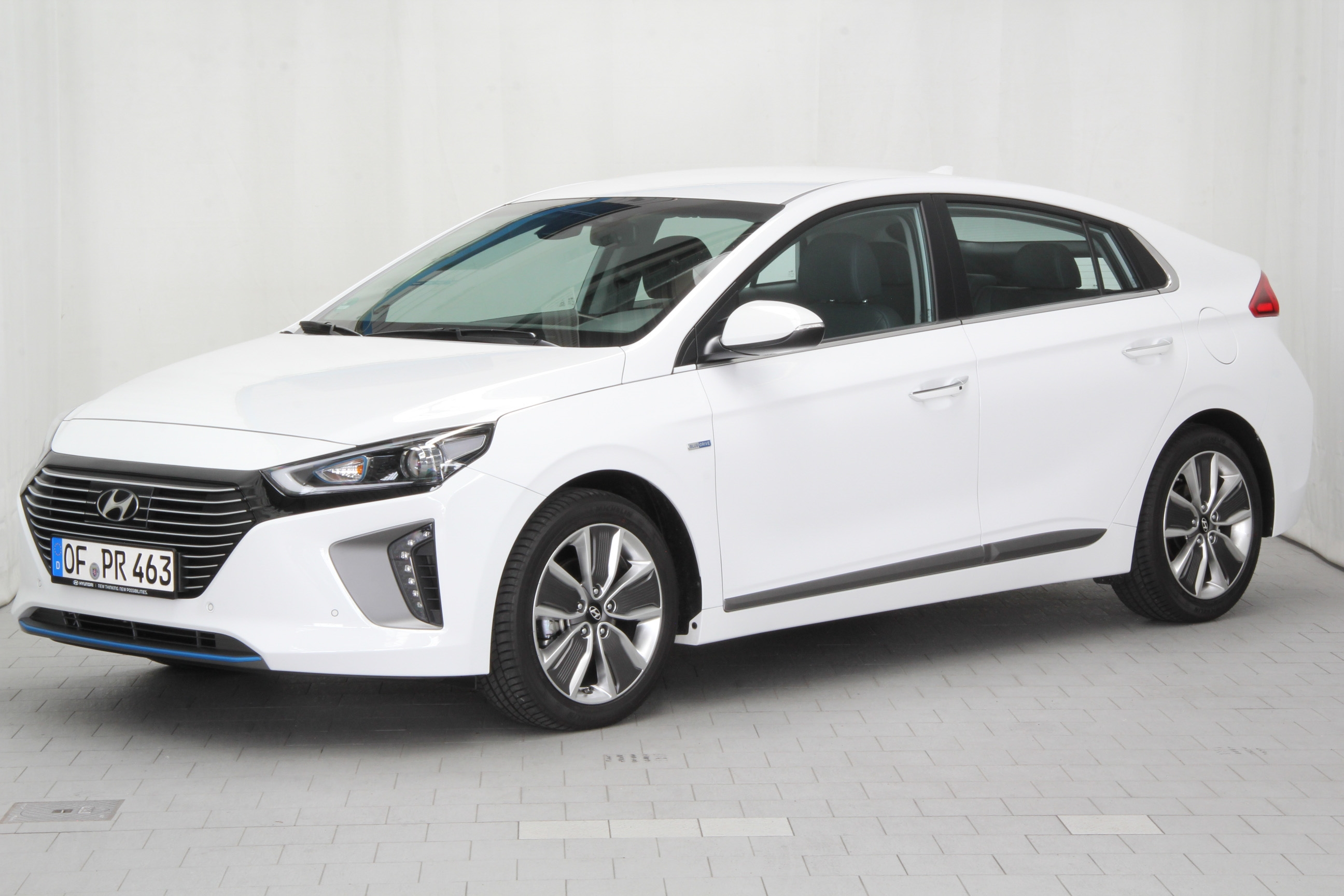 hyundai ioniq hybrid test complet prix sp cifications. Black Bedroom Furniture Sets. Home Design Ideas