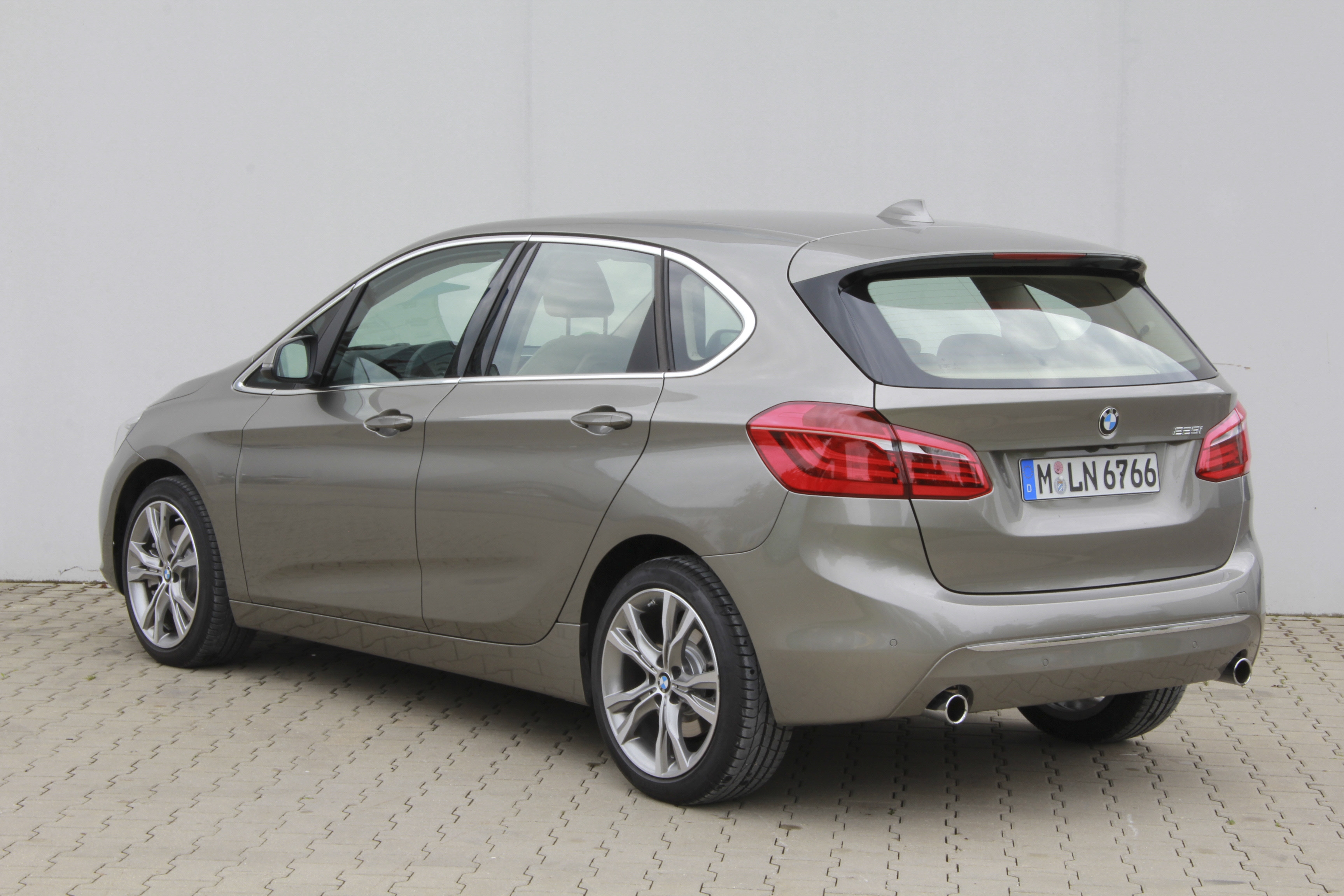 bmw s rie 2 active tourer test complet prix sp cifications. Black Bedroom Furniture Sets. Home Design Ideas